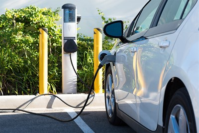 Electric Cars vs. Hybrid Cars: Which is Better?
